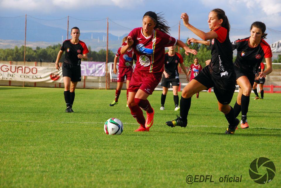 FÚTBOL FEMENINO<br /><br />EL ATHLETIC SE IMPONE A OSASUNA Y EDF EN VAREA<br />por: Diario de La Rioja<br /><br />http://www.larioja.com/deportes/futbol/201508/09/athletic-impone-osasuna-varea-20150809003919-v.html